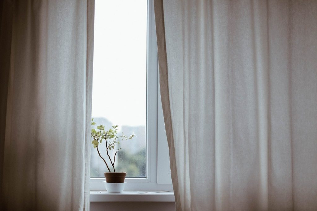 Okno na poddaszu - czemu warto mieć